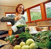 Джерела вітамінів для годуючих мам