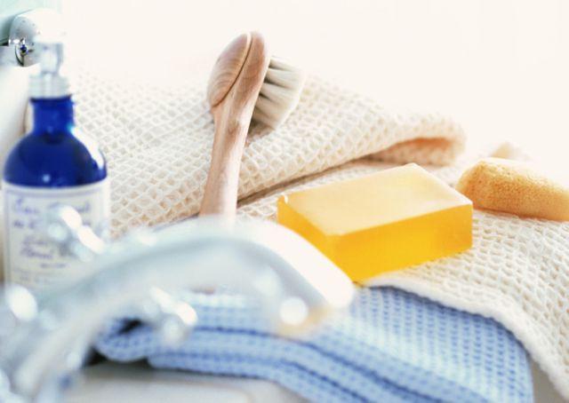 особиста гігієна від прищів на грудях