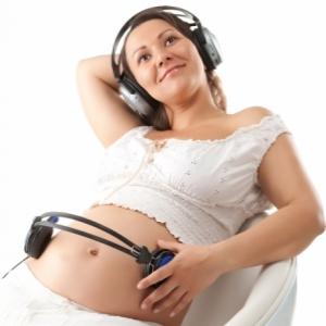 музика корисна в період вагітності