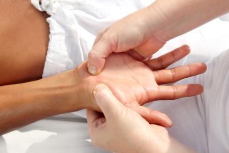 Німіють руки під час вагітності