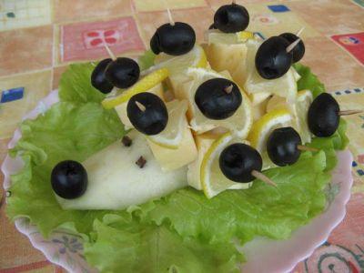 Їжачок з канапе під Новий Рік