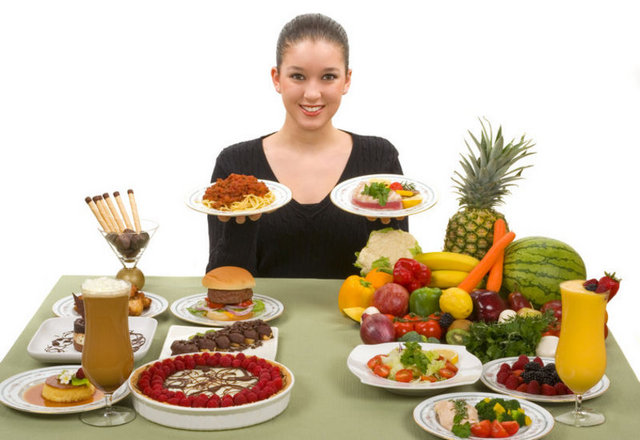 причини прищів на грудях - неправильне харчування